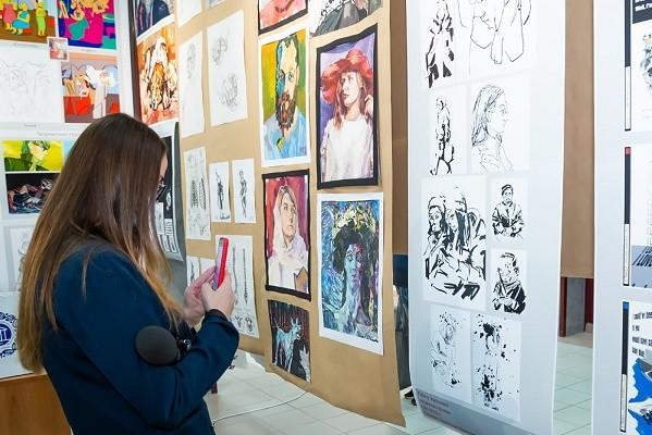 В Харькове открылась галерея для студенческих проектов