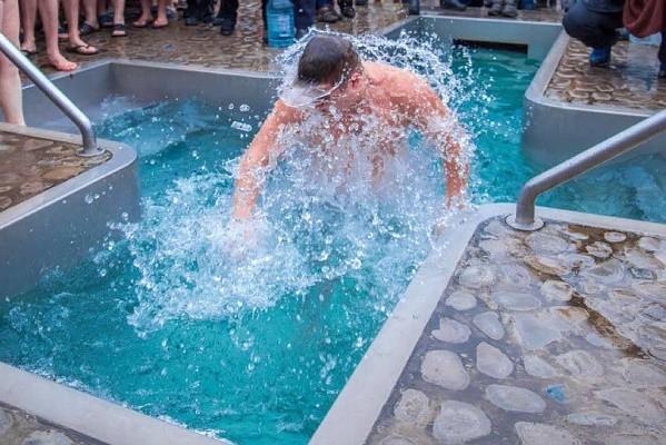 Где и когда харьковчане смогут освятить воду на Крещение: график