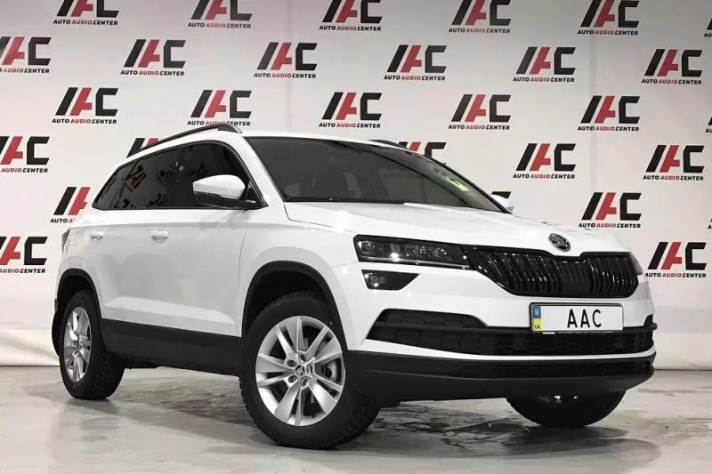 Оклейка пленкой автомобиля в Харькове – задачи, возможности и специфика услуги