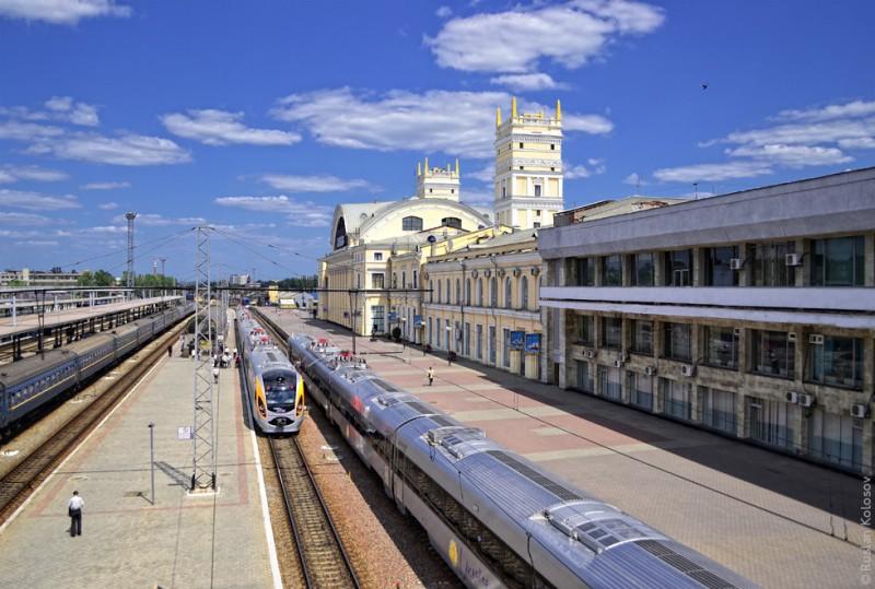 На праздник из Харькова назначили дополнительные поезда
