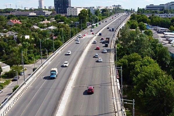 Реконструкцию Коммунального путепровода планируют завершить до конца лета