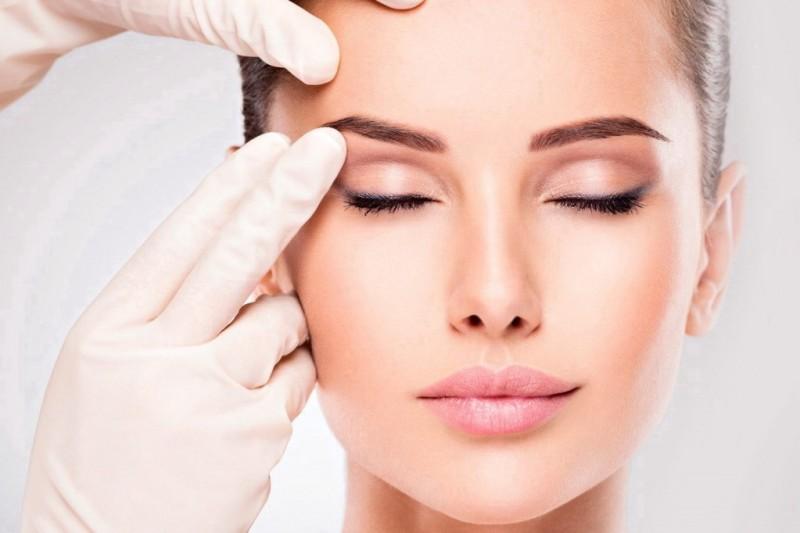 Круговая подтяжка лица – операция для возвращения молодости