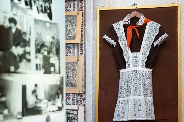 В харьковской гимназии открыли музей, посвященный четырем поколениям выпускников