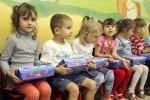 Более 100 тыс. харьковских учащихся и дошкольников получат новогодние подарки