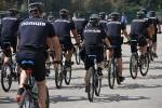 Харьков начали патрулировать полицейские на велосипедах