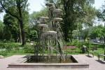 В Молодежном парке строят фонтан и беседку