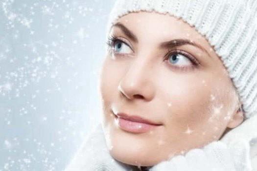 Уход за кожей зимой: увлажнение и защита сухой кожи