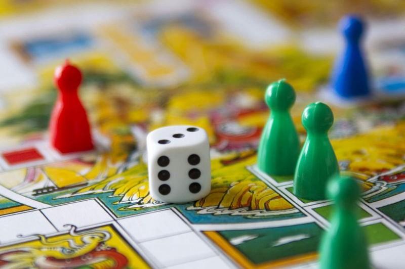 Выбираем лучшие настольные игры для всей семьи
