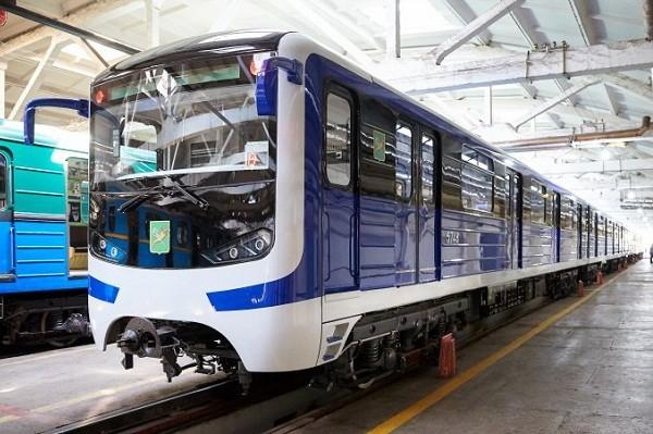 На Холодногорской линии метро – новый поезд