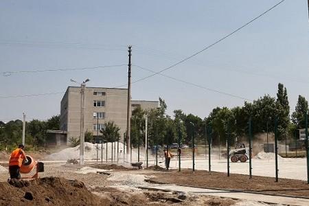 В Харькове реконструируют самый большой школьный стадион