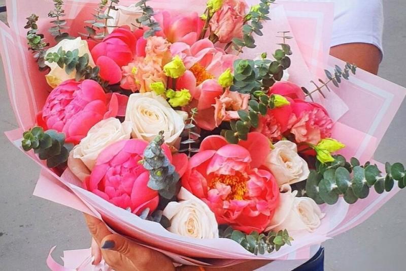 Flowwow.com - доставка букетов от цветочных магазинов и флористов со всей страны