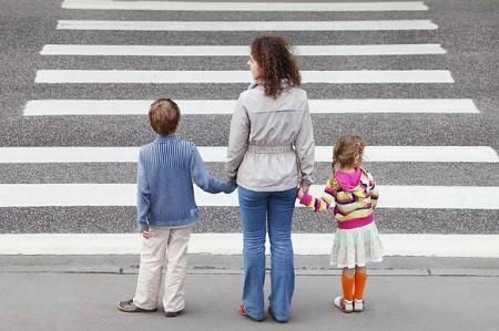 Харьковчанам напомнят, как правильно переходить дорогу