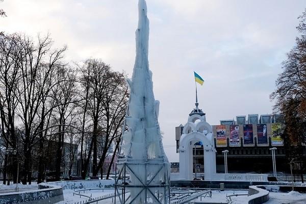 На Зеркальной струе появился «Ледяной фонтан»