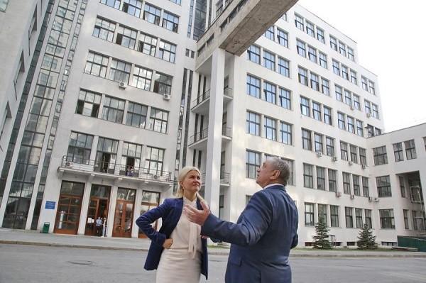 Ремонт фасада Госпрома, который длился много лет, почти завершен