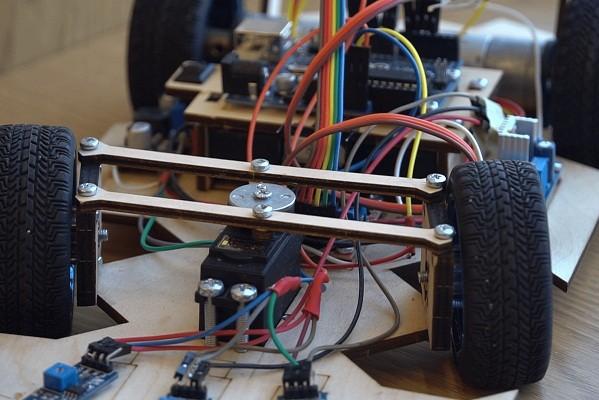 Еще в одной школе в Харьковской области открыли класс робототехники