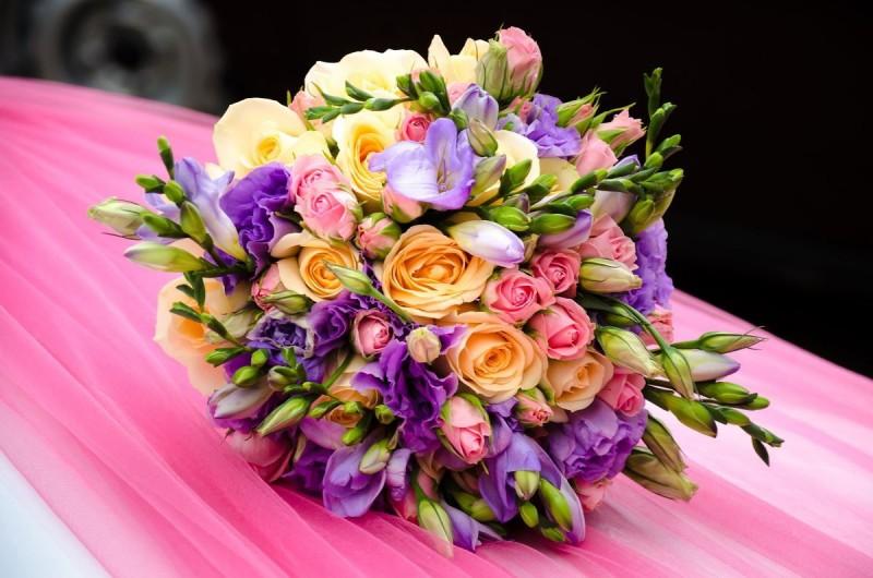 Свадебные цветы как украшение помещения в торжественный день!