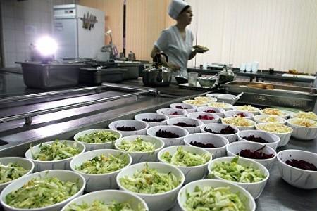 В Харькове увеличили расходы на питание детей в школах и детских садах