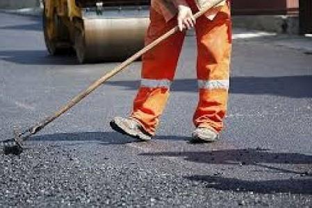 Ремонта дорог на Салтовке в этом году не будет: мэр ответил на петицию