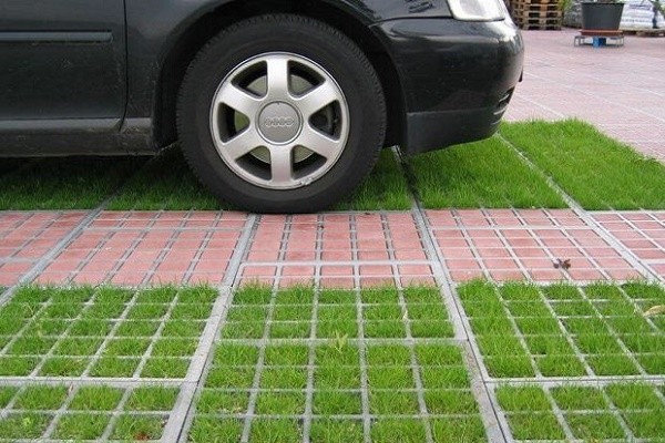 В харьковских дворах появятся экологические парковки