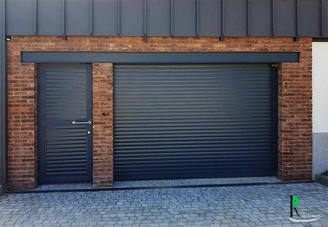 Промышленные ворота для склада - какой тип конструкции выбрать